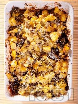 Картофена запеканка с броколи (пресни или замразени) и сирене под фолио на фурна - снимка на рецептата